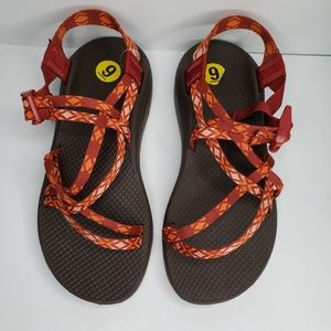 Chaco Cloud Sandal, Orange aztec print Hike Sz. 9
